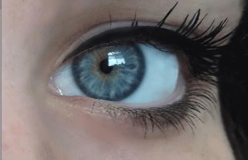 Γαλάζιο μάτι-χρώμα των ματιών