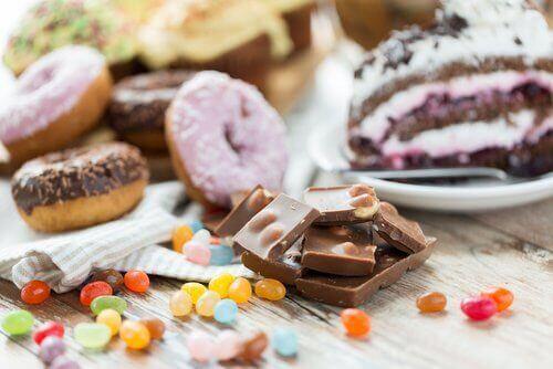 Γλυκά- τροφές που θα πρέπει να αποφεύγετε αν έχετε υπέρταση.