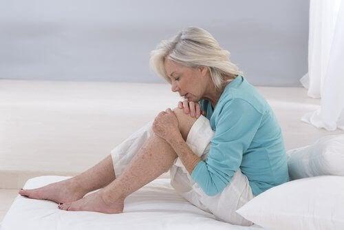 γυναίκα, γόνατα- χυμό με αλόη βέρα