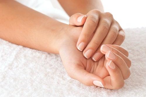 Οφέλη της καθαρής ζελατίνης, ενδυνάμωση νυχιών και μαλλιών