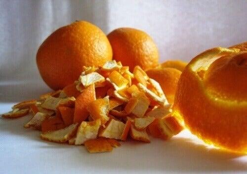 φλουδες πορτοκαλιου