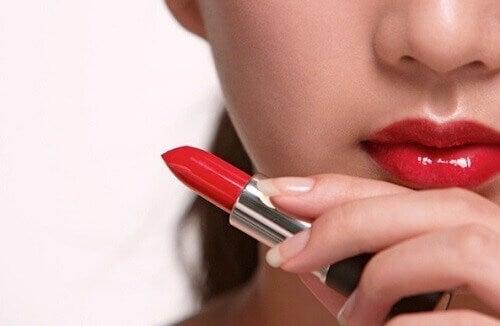 Τα επιβλαβή προϊόντα ομορφιάς που δεν πρέπει να χρησιμοποιείτε