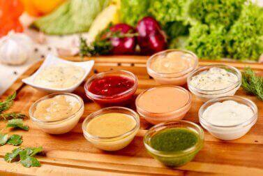 Σως για σαλάτες τροφές που θα πρέπει να αποφεύγετε αν έχετε υπέρταση.