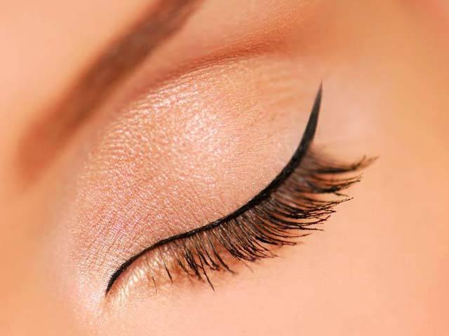 Μακιγιάζ των ματιών - Μάτι με λεπτή γραμμή