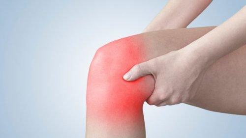 5 ασκήσεις για την ανακούφιση του πόνου στα γόνατα