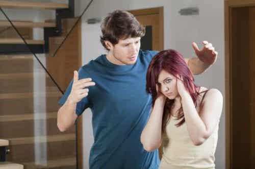 7 πράγματα που δε θα πρέπει να ανέχεστε ποτέ στη σχέση σας