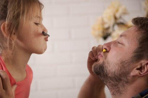 8 πράγματα που πρέπει να κάνει ένας πατέρας για να αναθρέψει μια δυνατή γυναίκα, δώστε της προσοχή