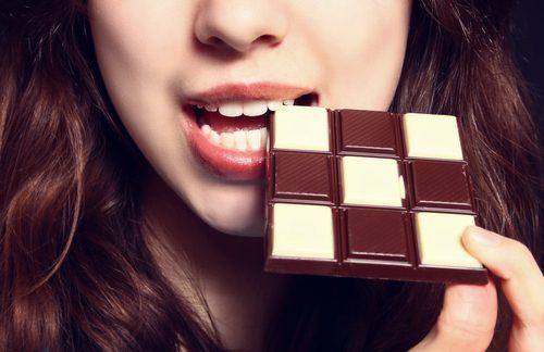 9 υγιεινές συμβουλές για απώλεια βάρους, δε θα πρέπει να τρώτε πολλή σοκολάτα