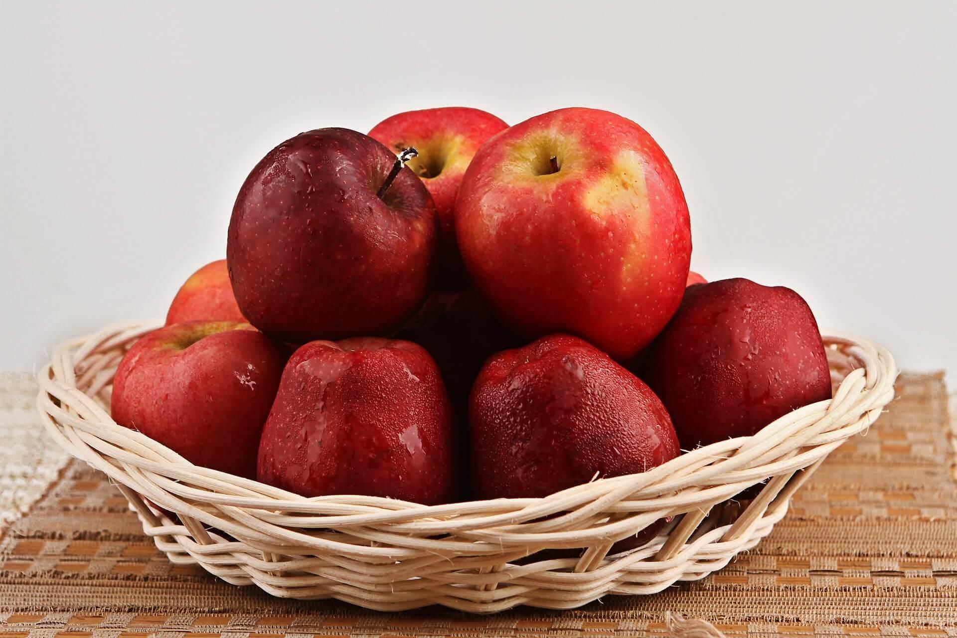 μήλα, φρούτα