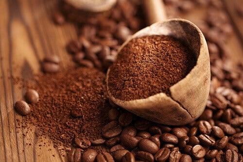 Κακοσμία στη ντουλάπα - Κόκκοι καφέ