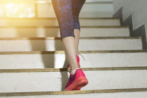 Κάψετε 100 θερμίδες ανεβαίνοντας σκαλιά