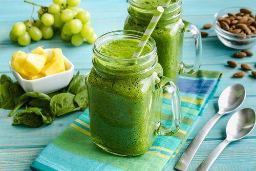 Αποκτήστε πιο αδύνατη μέση με ανανά, αβοκάντο και σπόρους chia