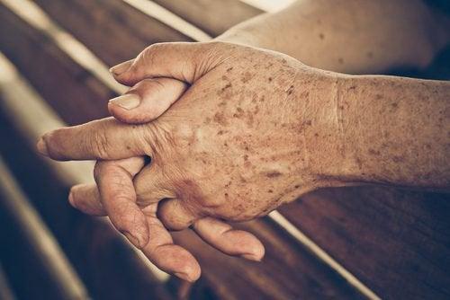 Πως να αποτρέψετε τα σημάδια γήρανσης με 4 σπιτικές θεραπείες