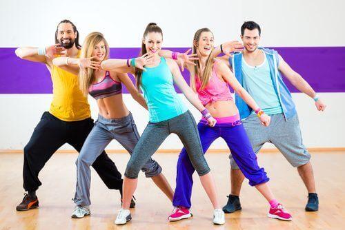 Γιατί είναι τόσο δημοφιλής η Ζούμπα; Εσείς χορεύετε;