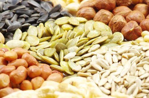 θρεπτική ενίσχυση των ξηρών καρπών και των σπόρων μέσω του μουλιάσματος