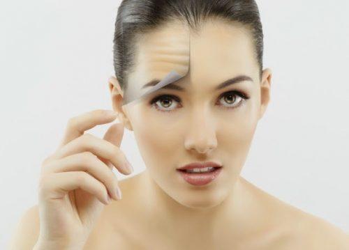 Πίνετε νερό μισή ώρα γυναίκα με καλύτερο δέρμα