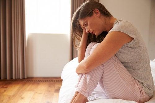 6 βλαβερές συνήθειες που μπορούν να προκαλέσουν κατάθλιψη