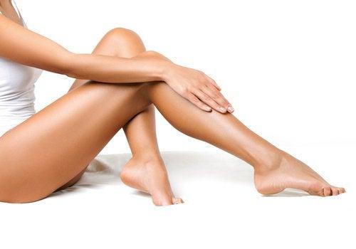 Ενισχύστε την κυκλοφορία του αίματος στα πόδια - Με Υγεία 28d645d6b5c