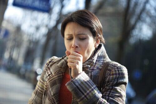 γυναίκα, βήχας -καρκίνου του πνεύμονα