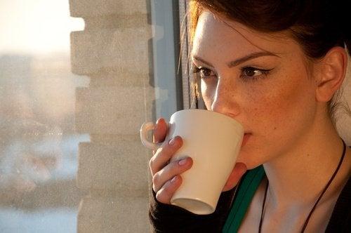4 εγχύματα για να αντιμετωπίσετε τα πεπτικά προβλήματα