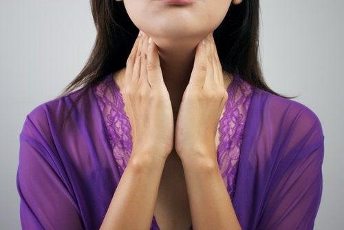 Προβλήματα με τον θυρεοειδή, γυναίκα με προβλήματα