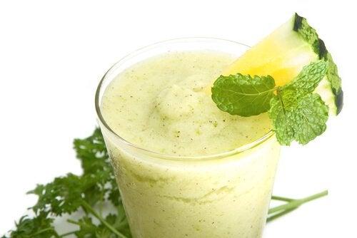 5 πράσινα smoothies - ανανάς