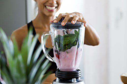 4 ροφήματα που δεν πρέπει να χάσετε αν προσπαθείτε να χάσετε βάρος