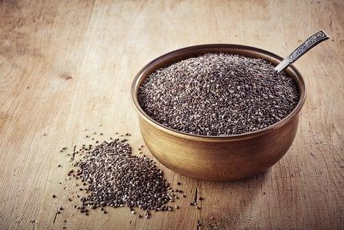 Τροφές που θα σας βοηθήσουν να ελέγξετε τις λιγούρες, σπόροι chia