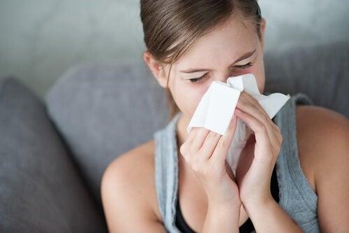 Υγρά μαλλιά, αλλεργίες και κρυολογήματα
