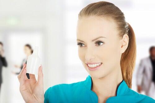 πώς να καθαρίσετε τα αυτιά σας γρήγορα και με ασφάλεια