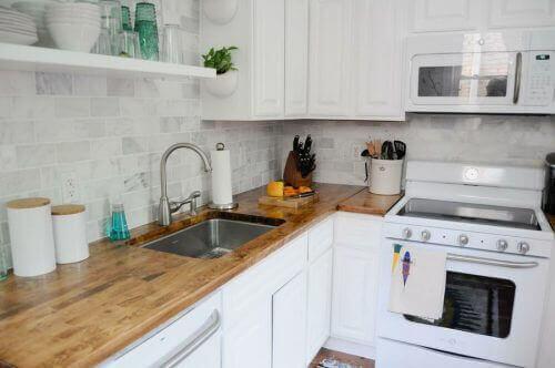 4 μοναδικές ιδέες διακόσμησης για μικρές κουζίνες