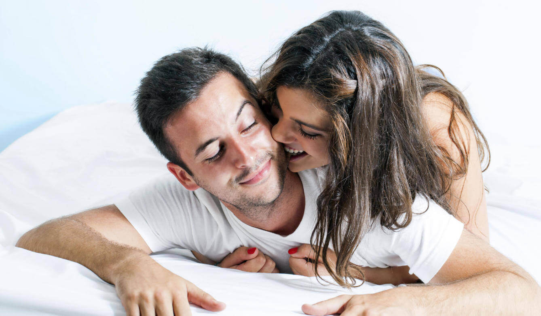 συμβουλές για να ικανοποιήσετε μια γυναίκα στο κρεβάτι