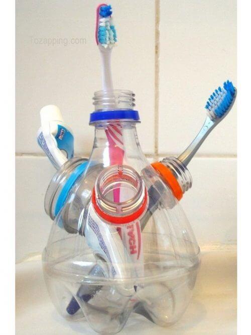 12 διασκεδαστικοί τρόποι για να ανακυκλώσετε τα πλαστικά μπουκάλια, θήκη για οδοντόβουρτσες