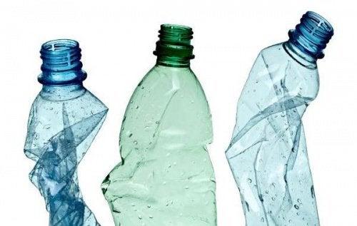 12 διασκεδαστικοί τρόποι για να ανακυκλώσετε τα πλαστικά μπουκάλια