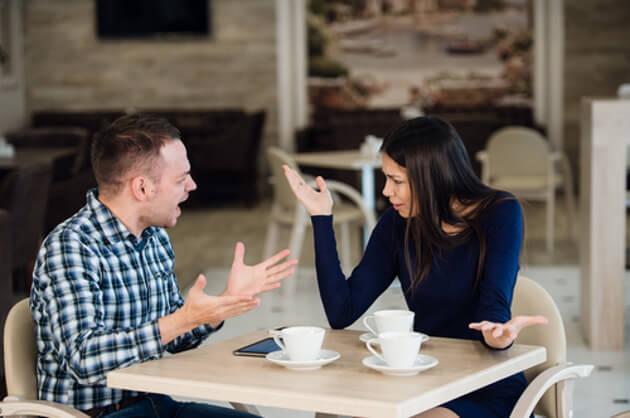 5 λάθη που κάνουν όσοι ζηλεύουν, εκρήγνυνται ξαφνικά