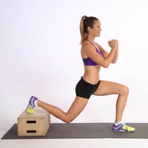 6 είδη καθισμάτων για να τονώσετε τα πόδια σας με άσκηση στο σπίτι, βουλγάρικο κάθισμα