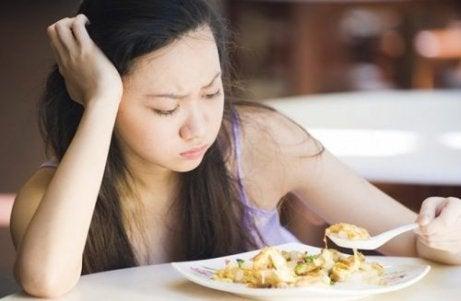 γυναίκα που δεν τρωει