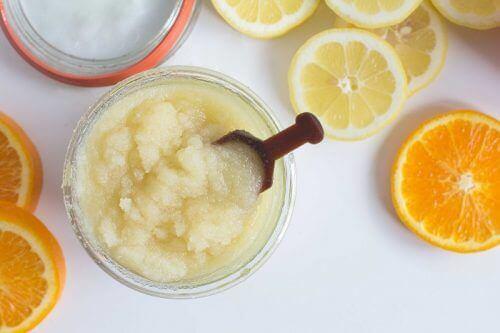 5 τρόποι να κάνετε απολέπιση στο δέρμα με μαγειρική σόδα