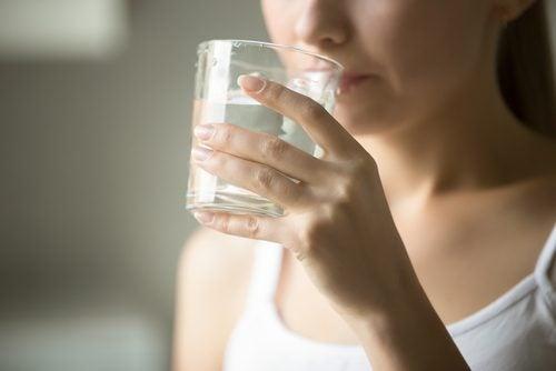 αποτρέψετε τους κιρσούς, νερό
