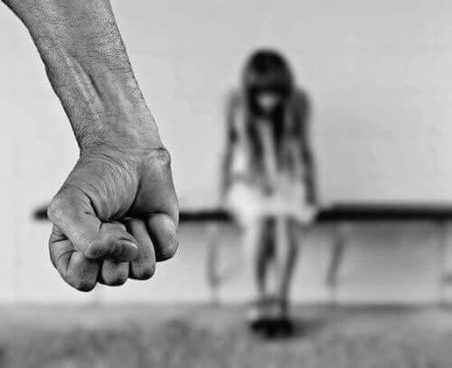 Αναγνωρίστε αυτούς που επιδίδονται σε κακοποίηση παιδιών