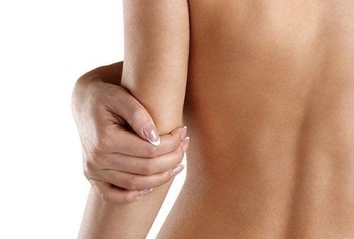 Αποκατάσταση της φυσικής υγρασίας του δέρματος με 4 σπιτικά συστατικά