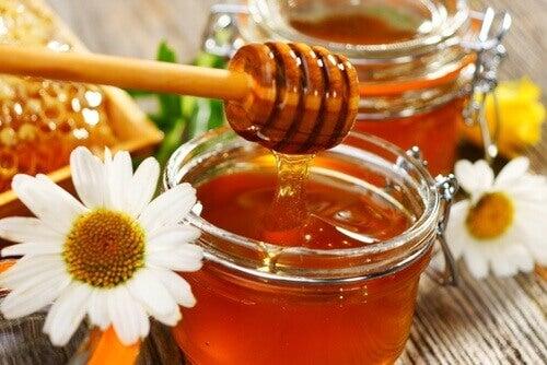 Χηλοειδείς ουλές - Μέλι σε βάζα