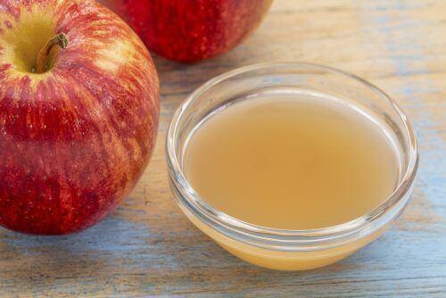Χηλοειδείς ουλές - Μηλόξυδο σε μπολ και μήλα