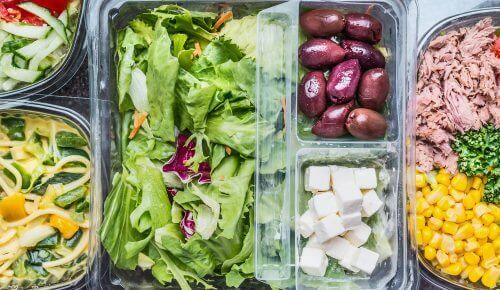 Απολαμβάνετε μια νόστιμη και υγιεινή σαλάτα κάθε μέρα της εβδομάδας