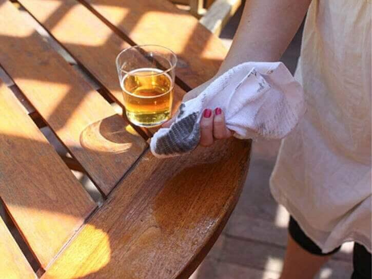 εκπληκτικοί τρόποι για να χρησιμοποιήσετε τη μπύρα - καθαρισμός