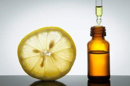 έλαια για την καταπολέμηση της κυτταρίτιδας λεμόνι