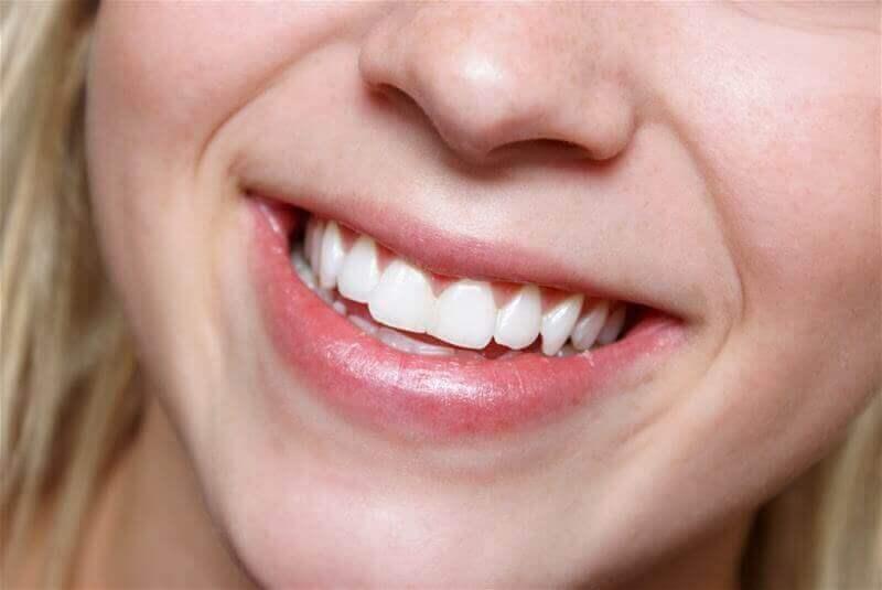 Τα αμύγδαλα κάθε μέρα ωφελούν τα δόντια