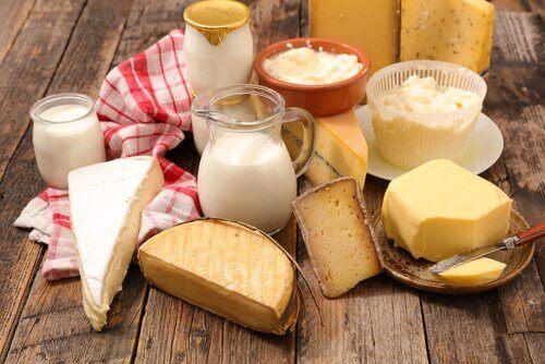 Τυριά και γάλα