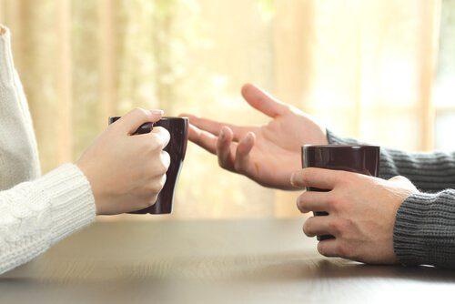 Γλώσσα του σώματος: χέρια