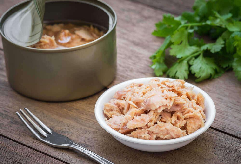 Οι κονσερβαρισμένες τροφές ανήκουν στις τροφές που βλάπτουν την καρδιά